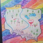 Praca plastyczna przedstawiająca: mapę Polski na kolorowym tle.