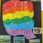 Praca plastyczna przedstawia wyklejoną na kolory tęczy mapę Polski.
